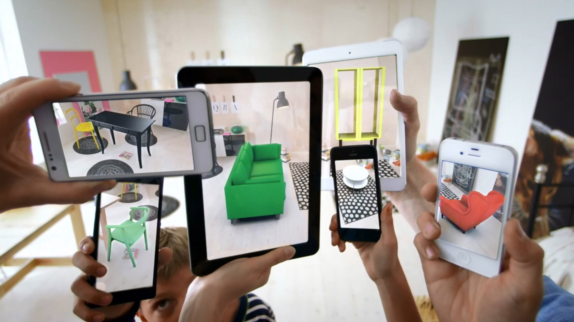 How Augmented Reality is Enhancing the In-Store Experience