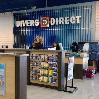 Divers Direct check-out counter signage